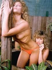 Vintage lesbian girls kissing