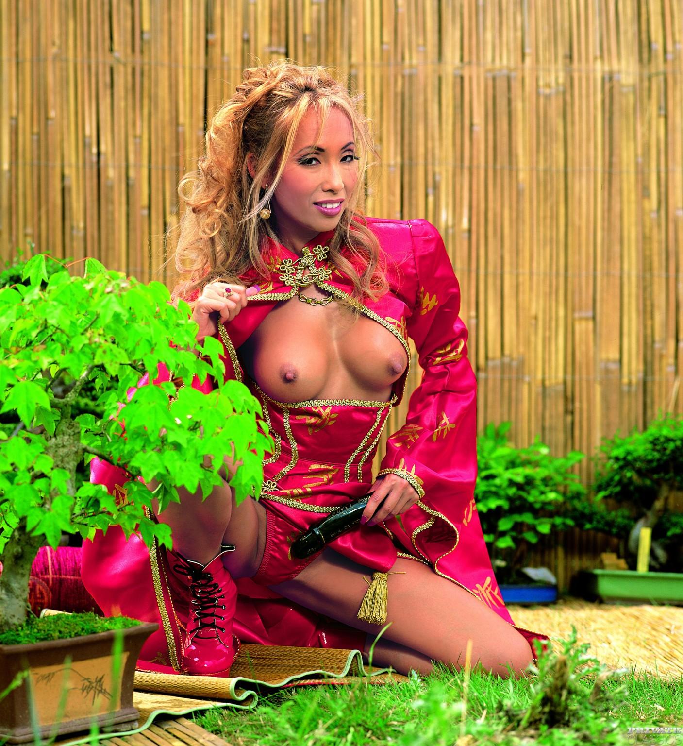 Jennifer reyna kprc boob shot
