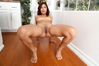 Jade Jantzen Doesnt Suck Cock But Her Husband Does