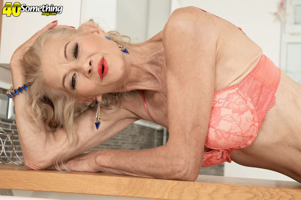 Sexy old mommy showing her perfect body for her ag