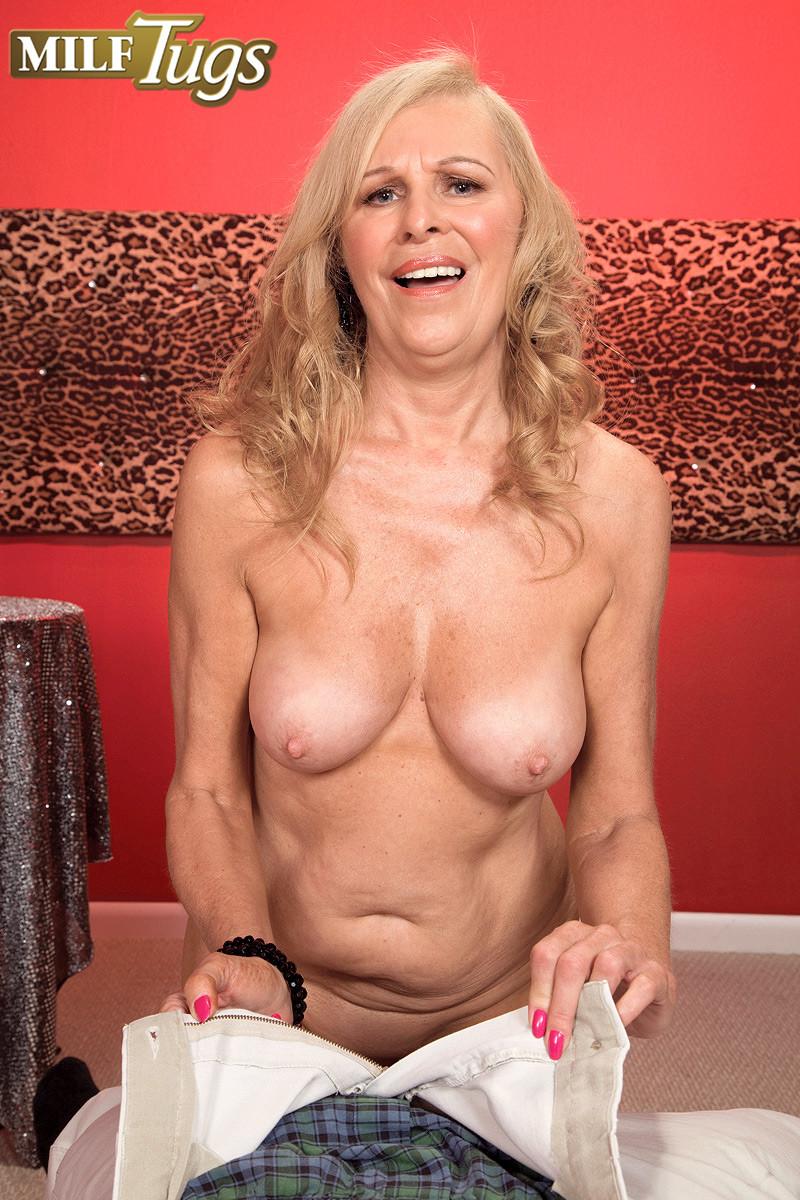 Bethany James порно модель