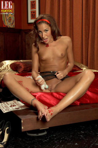 porn Adriana Deville -leg sex -leg sex