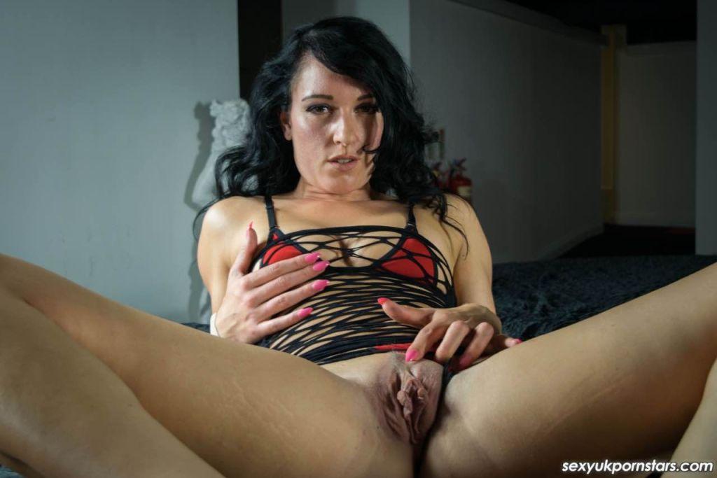 Jasmine Lau looks simply divine in her black mesh