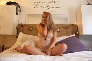 porn bedroom solo