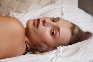 nude -zishy blonde