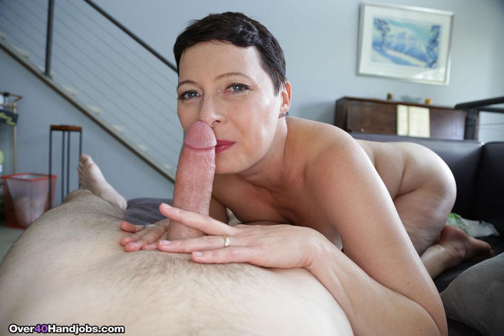 Milf Kali Kariren milking stiff dick in pleasue an