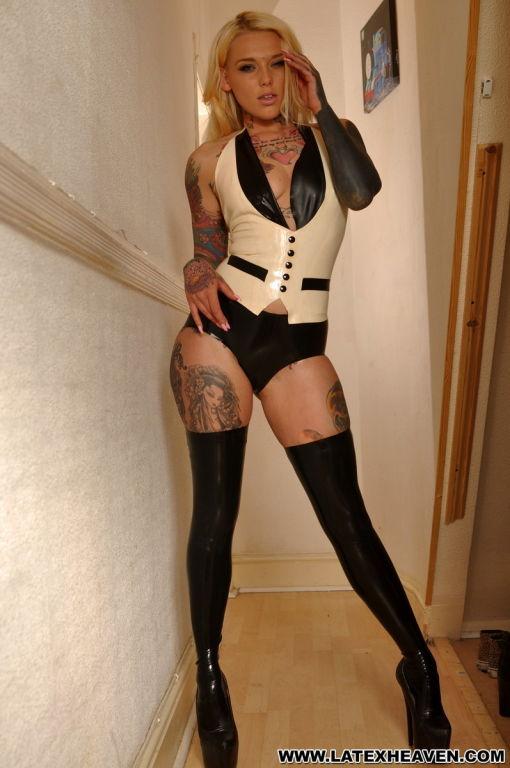Hot blonde babe ib black latex stockings