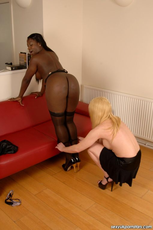 Lovely British ebony babe Melvina Raquel felt real