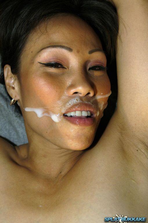 Lovely Filipino babe Faye loves sucking dick so we