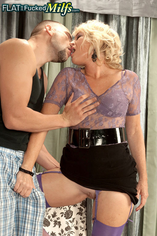 Blonde mature Tina Tosh having Sex with a Guy