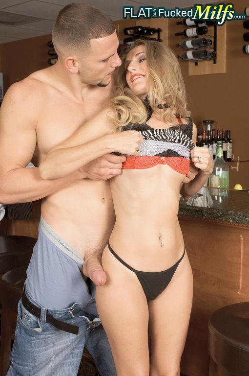 MILF Eva Roberts loving a good fucking