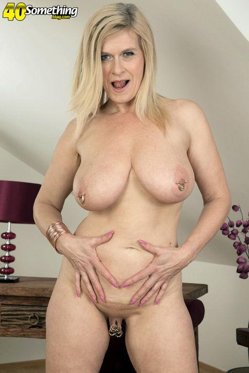 German mature slut Marina Rene