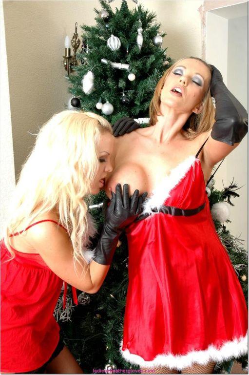 Santas sexy lesbian helpers FrankieBabe and Lucy Z