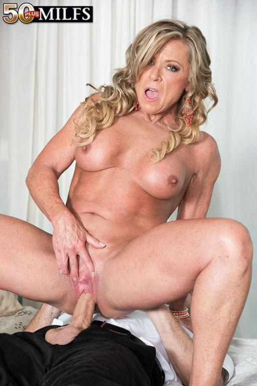 Blond 50 milf Missy Blewitt pounding her wet pussy