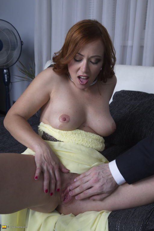 Hot steamy mom fucking and sucking in POV style
