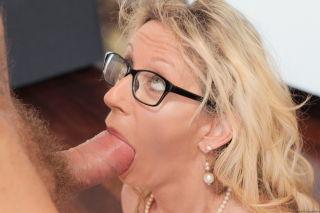 Milf babe Marina Beaulieu enjoys a hardcore fuckin
