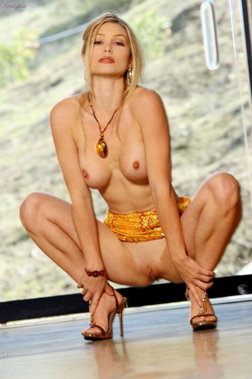 Heather Vandeven has some glorious big tits