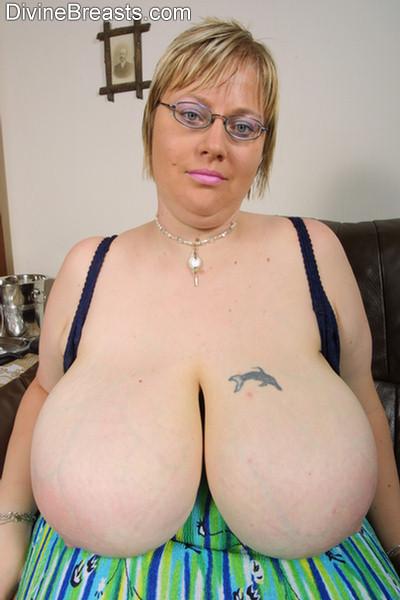 Big Natural Tits Brunette Dp