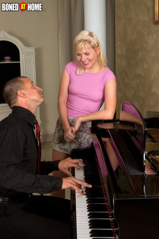 Sexy piano lesson