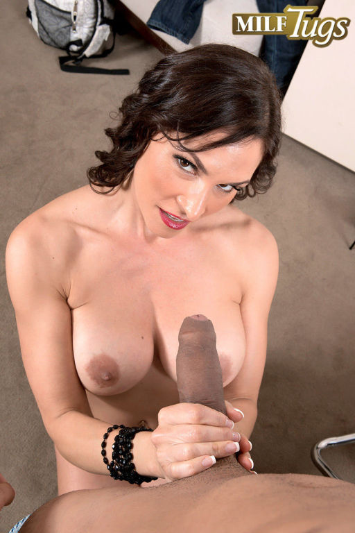 Big titted matur porstar Raven LeChance doing a bi