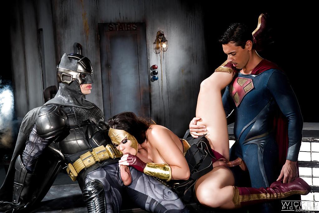 порно фильмы супергероев почувствовал, что