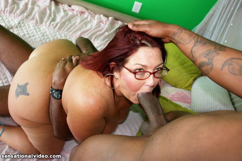 Lesbian strap on photos