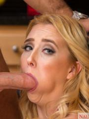 Teen blonde girlfriend assfucked in doggystyle