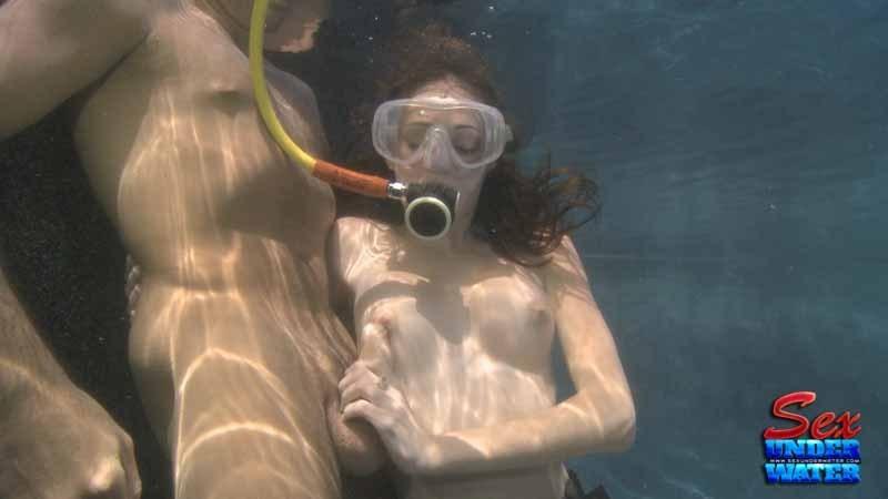 sex wet blowjob sexy underwater ...