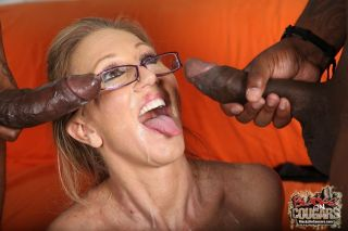 Milf Jenna Covelli enjoying black cocks im mmf sex