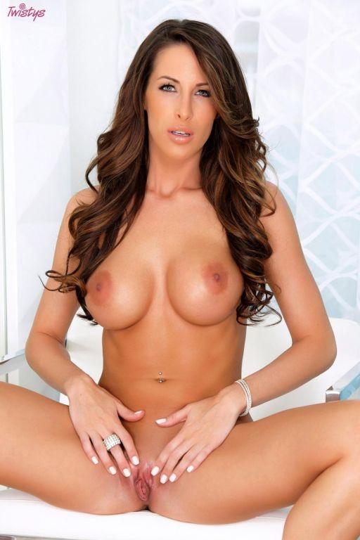 Busty brunette strokes her fine twat after her lin