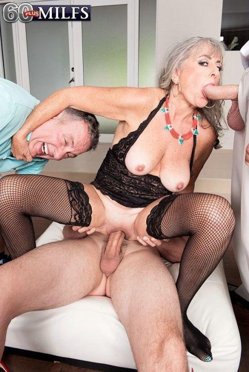 Grannys threeway cuckold sex session