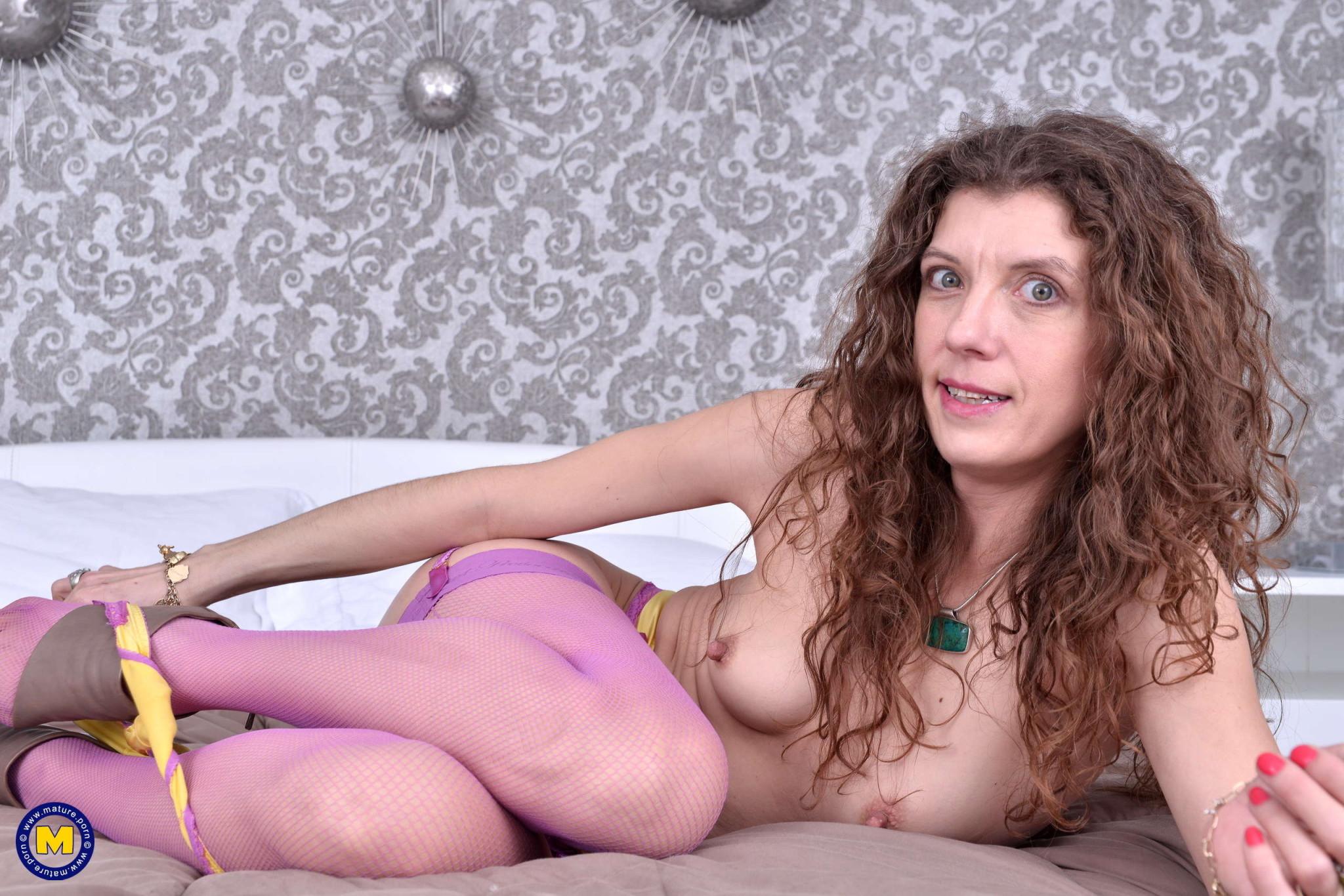 Iowana Roshan порно актриса