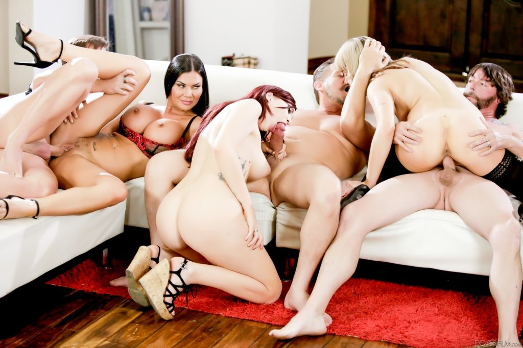 Jasmine wants to show stepdaughters how it's done,