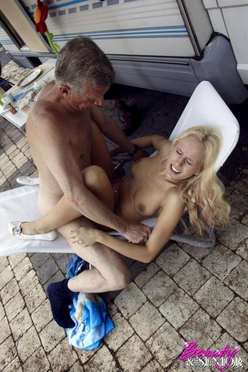 Horny and old dude getting massive cock sucked by