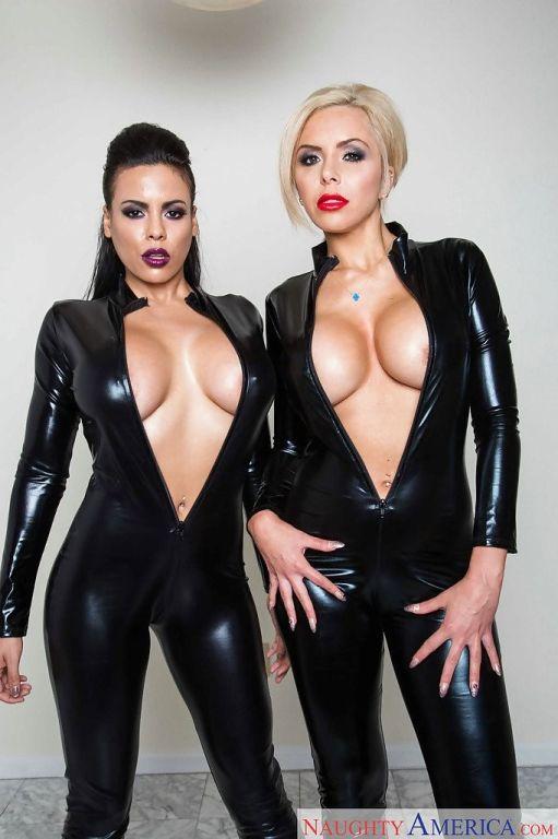 Latex lesbians Luna Star and Nina Elle fucking in