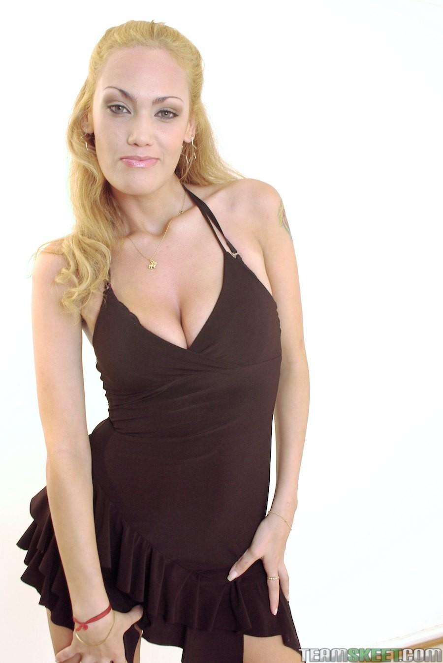 Vicky Reyes порноактриса
