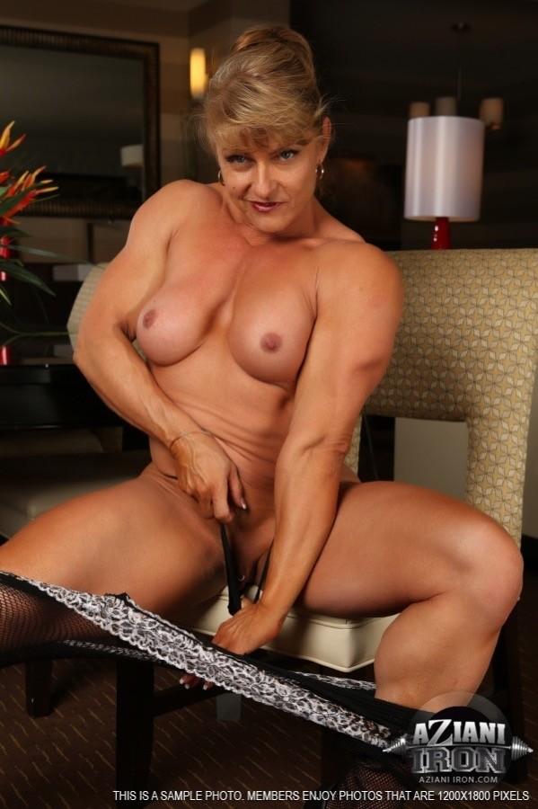 Mature muscular women nude