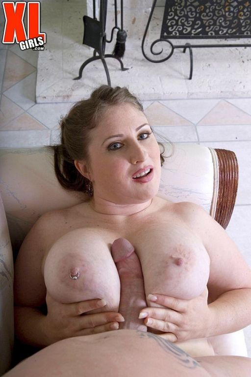 Fat girl Skyie Blew with huge pierced boobs gives