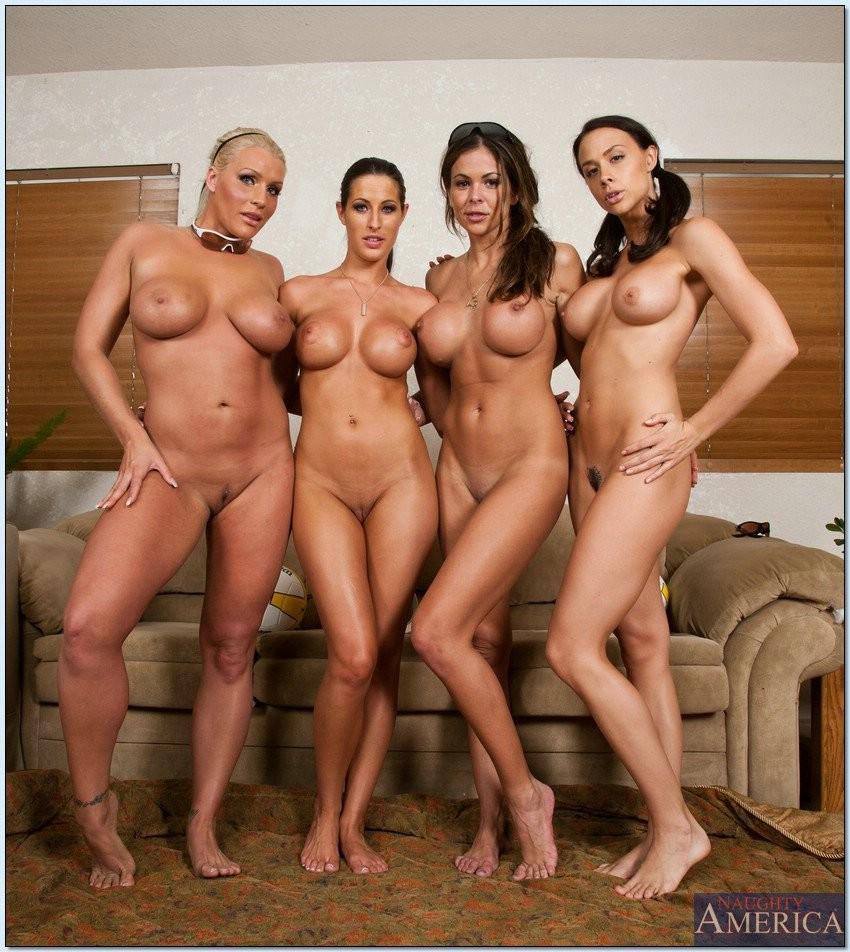групповые фото голых женщин и мужчин наполняет