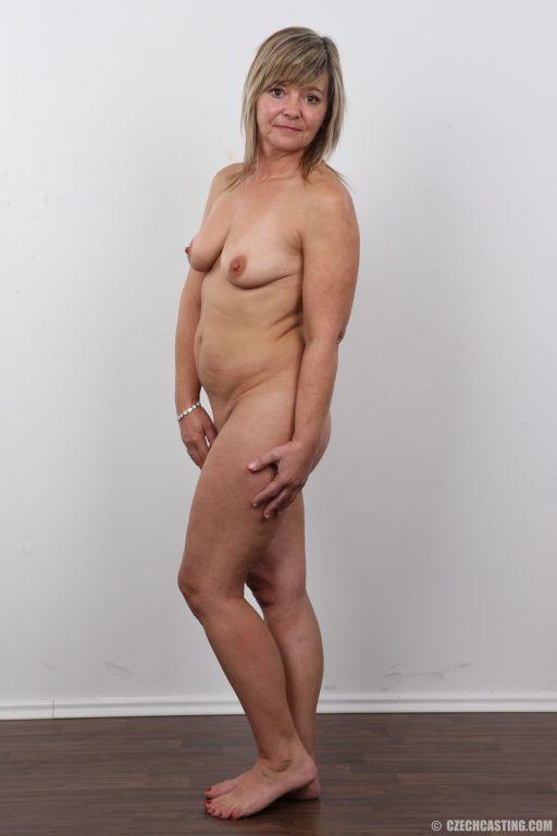 Jana, a seasoned mother, is still in her prime. Bi