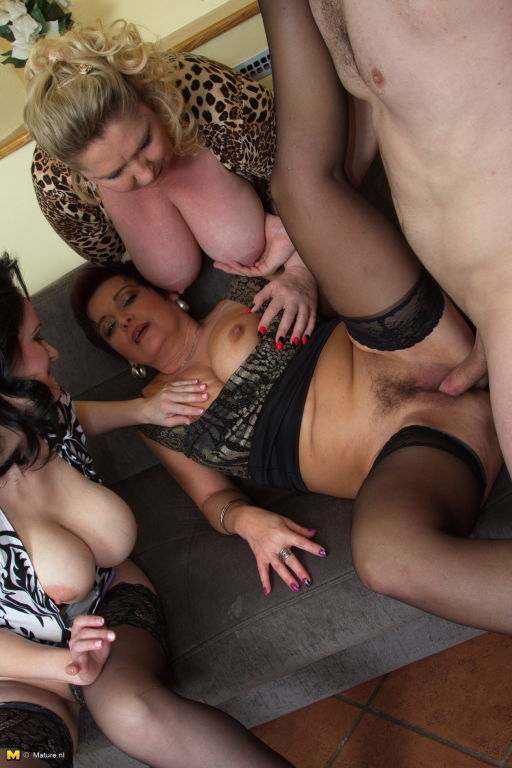 Amateur moms with big boobs fucked in home group s