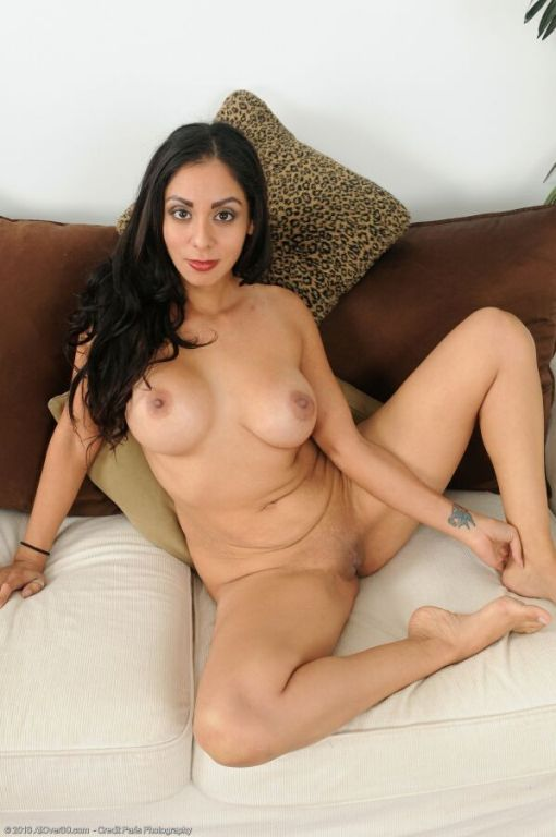 Bianca Mendoza busty latina milf stripping and pos