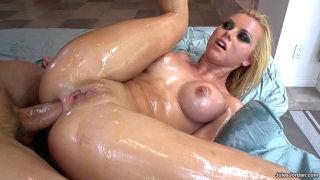 Brazilian anal slut Jessie Rogers fucked in oil
