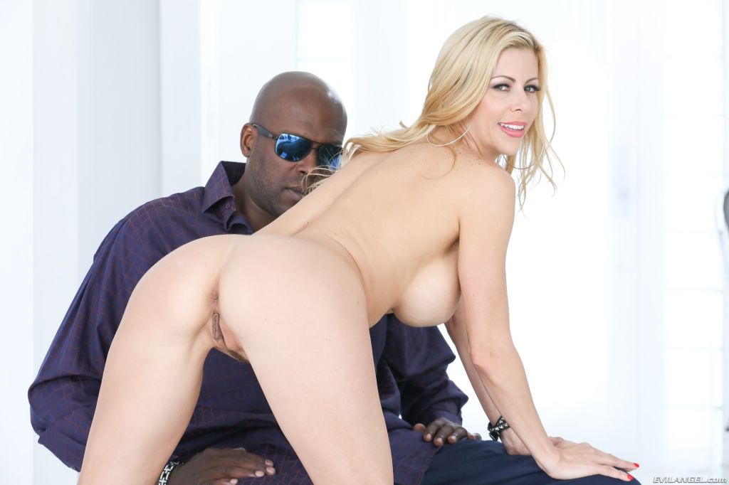 Sassy, stacked Alexis Fawx is a busty blonde MILF