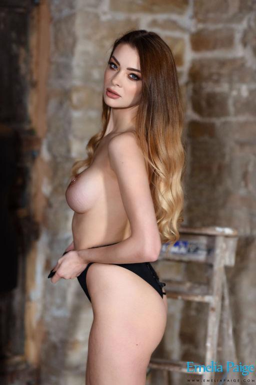 Emelia Paige shows off her pierced nipples