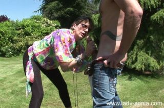 Horny mature lady in sunglasses sucks and fucks ou