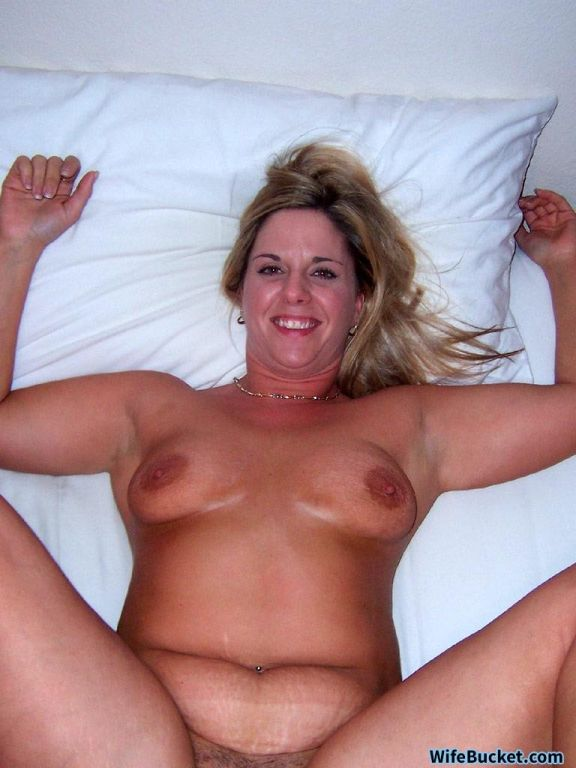 Older woman fucking like a horny pornstar