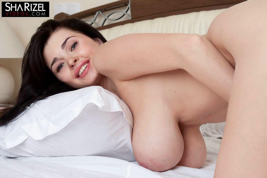 Glamour busty brunette Sha Rizel shows morning rit
