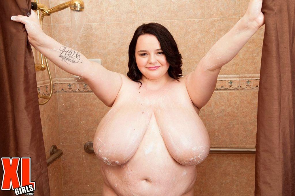 Fat woman fucked in shower