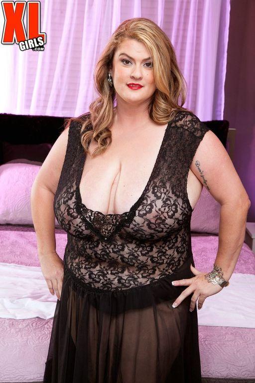 Creamfilled fat woman in hardcore porn pics